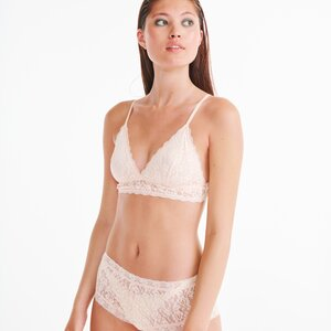 lords x lilies intimates x lingerie bralette  in lichtroze