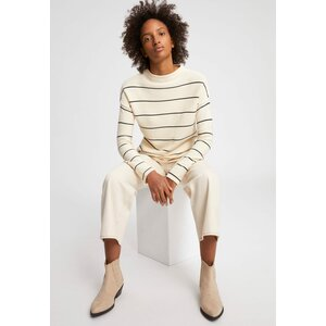 Medinaa Fine Stripes Sweater